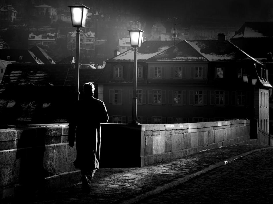 Alone (Pfeido)